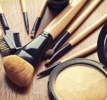 Brushes 101: The Top Five Makeup Brushes Everyone Should Own